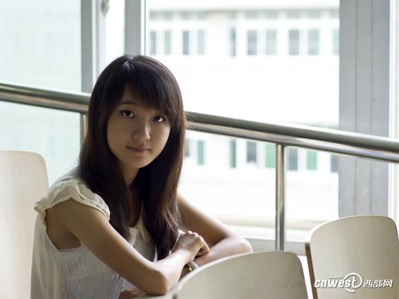 西安工业大学大一清纯美女杨悦