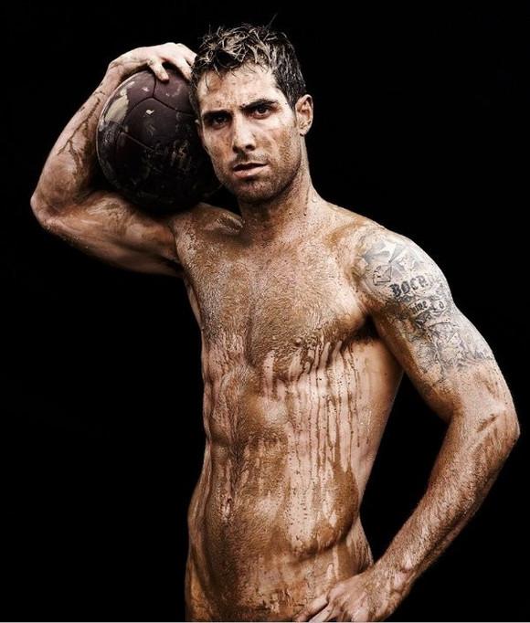 了一些体坛明星,为杂志拍摄了一组运动系列裸图 ...