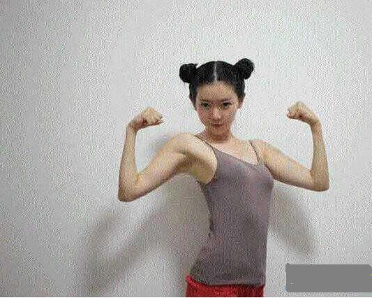 中国美女汉子秒俄罗斯