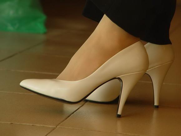丝袜高跟射狼_丝袜凉高跟鞋大图
