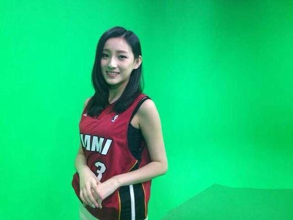 腾讯篮球美女主播凡凡