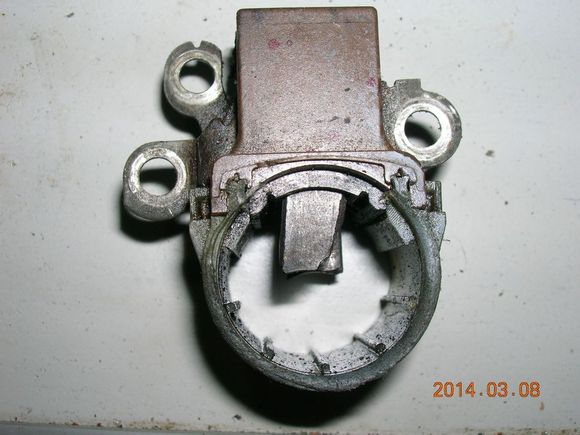 调节器   骏捷更换发电机调节器图文   汽车交流发电机接线图高清图片