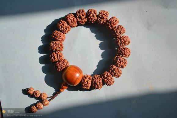 纯手工打磨藏式金刚菩提子18颗手持2.1-2.2cm ,红皮肉图片