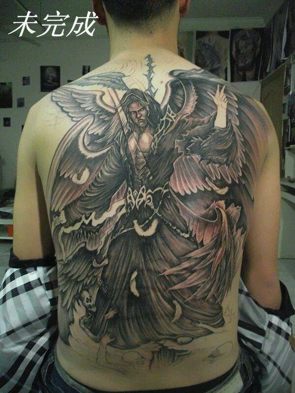 我想纹个满背的六翼天使纹身,不知道要多少钱,求解答图片