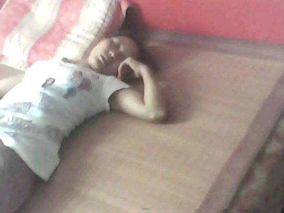 美女熟睡做梦图