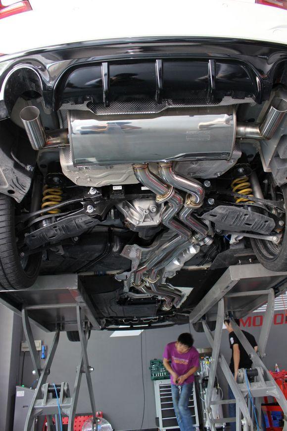中国第一部改装armytrix智能遥控阀门排气的宝马m235i 汽车高清图片