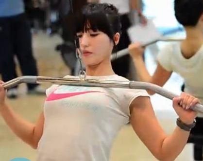 肌肉美女天使面孔肌肉女韩国天使面孔肌肉女天使面孔