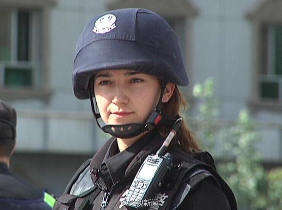 【央视新闻:新疆美女特警