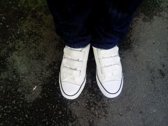 买了双微微跳小苹果时候穿得鞋子