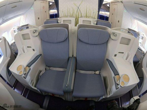 新款南航空客a380到货图片