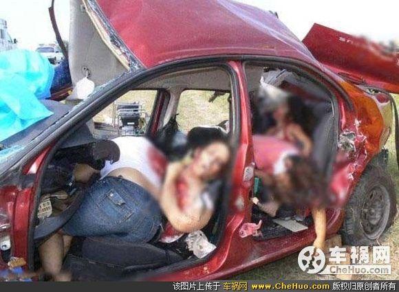 各类意外事故惨死的暴露女人最新惊悚图片集
