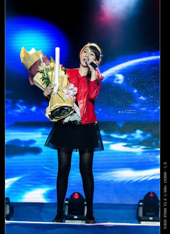 卓依婷 开县演唱会图片