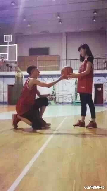 有女生喜欢打篮球的男生吗?