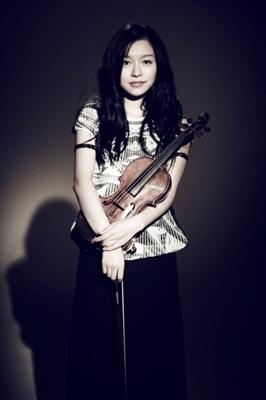 美女小提琴家文薇的治愈系生活