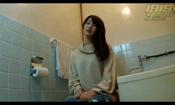 偷拍美女上厕所高清