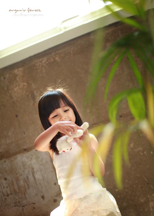 童声童气 李宥真 最具看点的艺术照,太美啦.好有意境 童星高清图片
