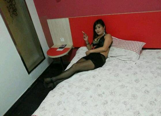 女王熟女丝袜 - 2223442609 - 烈焰红唇