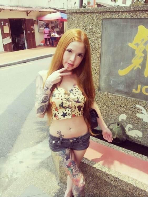 美女纹身师