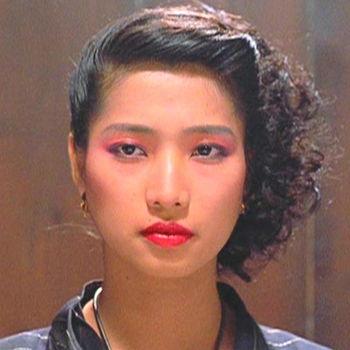 西协美智子在香港电影《福星高照》中的扮相