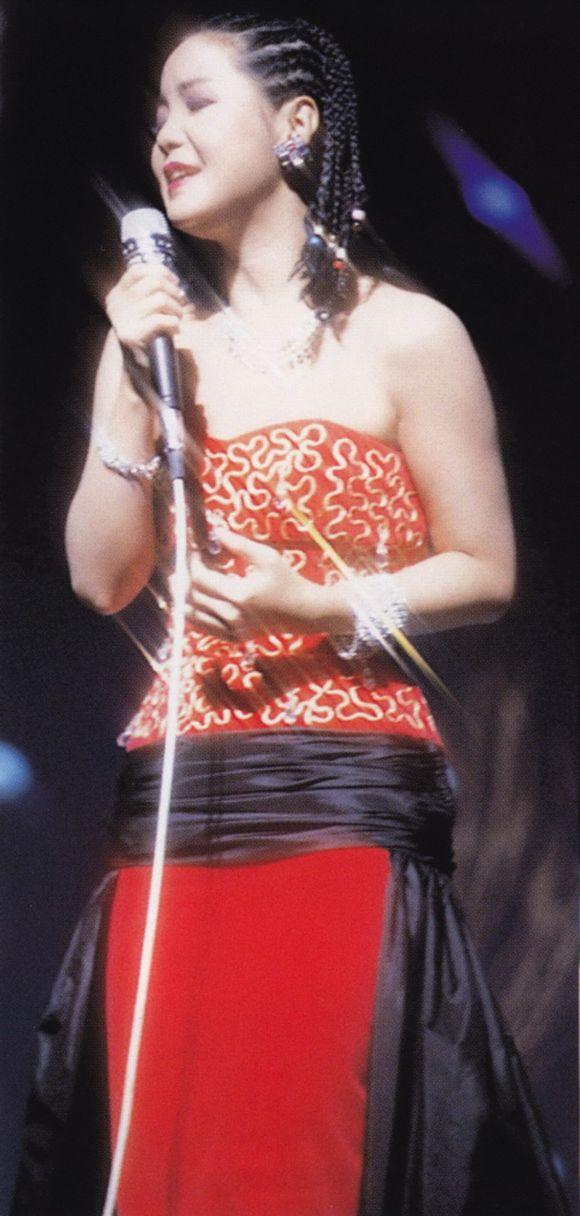 邓丽君在日本演唱会_回复:【音频分享】邓丽君 《last concert 日本85年nhk演唱会》2cd