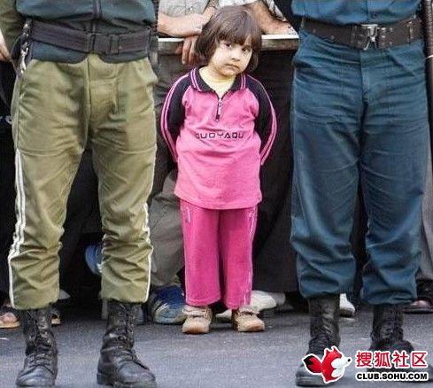 美女被绞死令人惊叹:德黑兰公开绞刑引围观