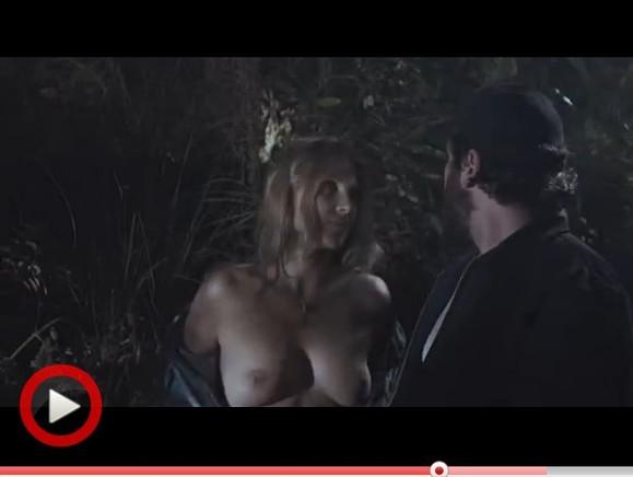 都会有女人脱衣服?