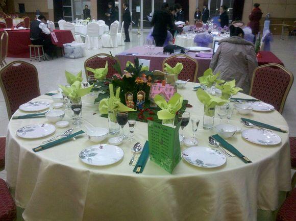 吧友看看中餐摆台 有机会给结婚的吧友摆个婚宴台图片