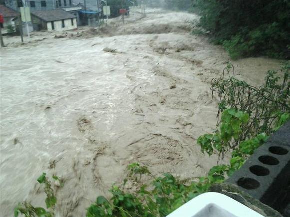宁波余姚受台风影响,70 城区被淹,居民停水停电,断粮 罪恶之高清图片