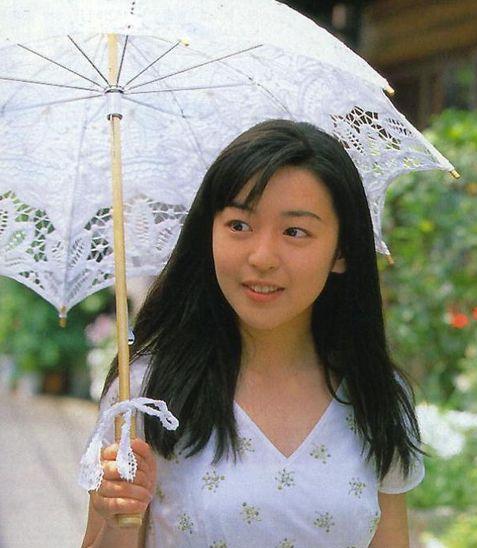 恐怖片美女大比拼【日本篇】阴森女鬼原来是清纯美眉