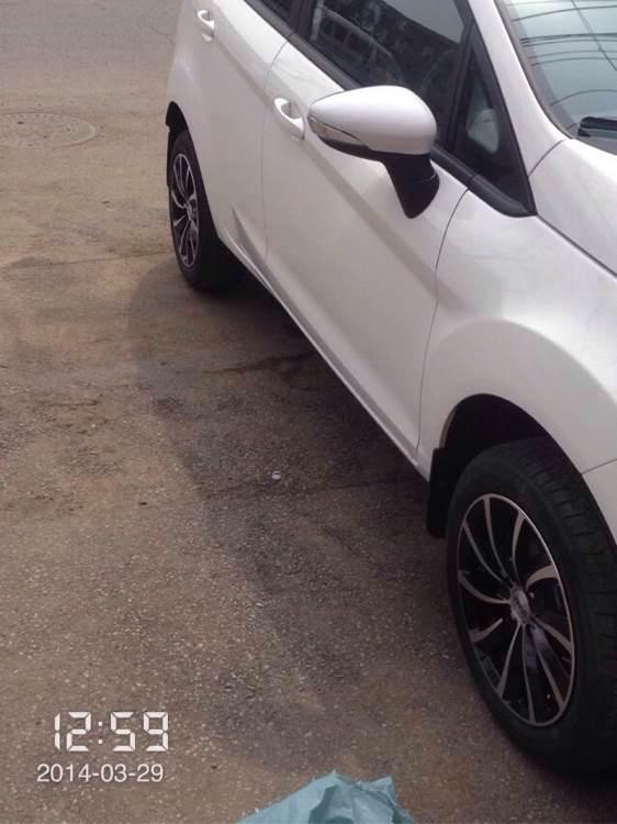 大家进来看看哪种轮子适合白色三厢小嘉 福特嘉年华吧 百高清图片