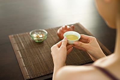女人喝茶须讲究
