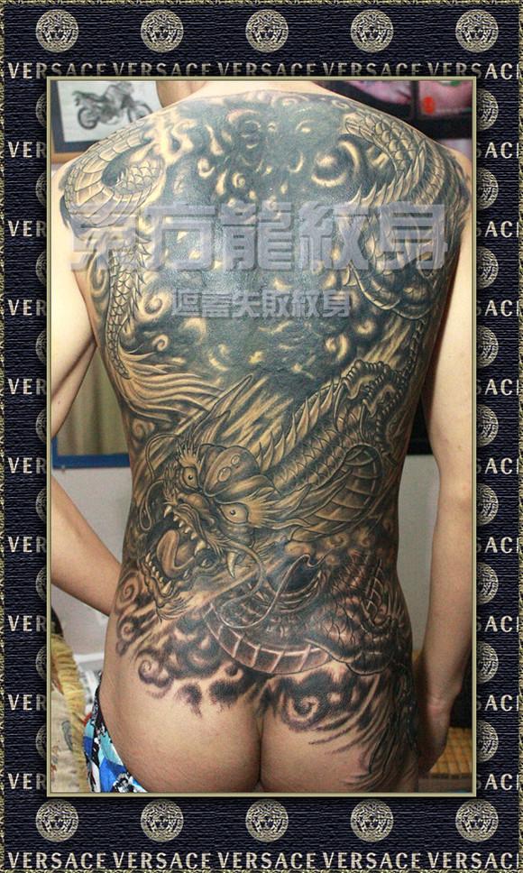 """纹的一幅--""""观音骑龙""""的纹身,他通过朋友的介绍后,找到我们的图片"""