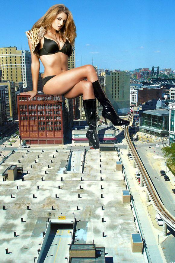 城市被美女踩在脚下 竖
