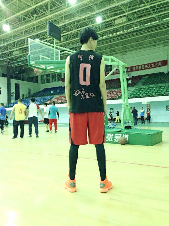 有喜欢打篮球的男生的女生么?