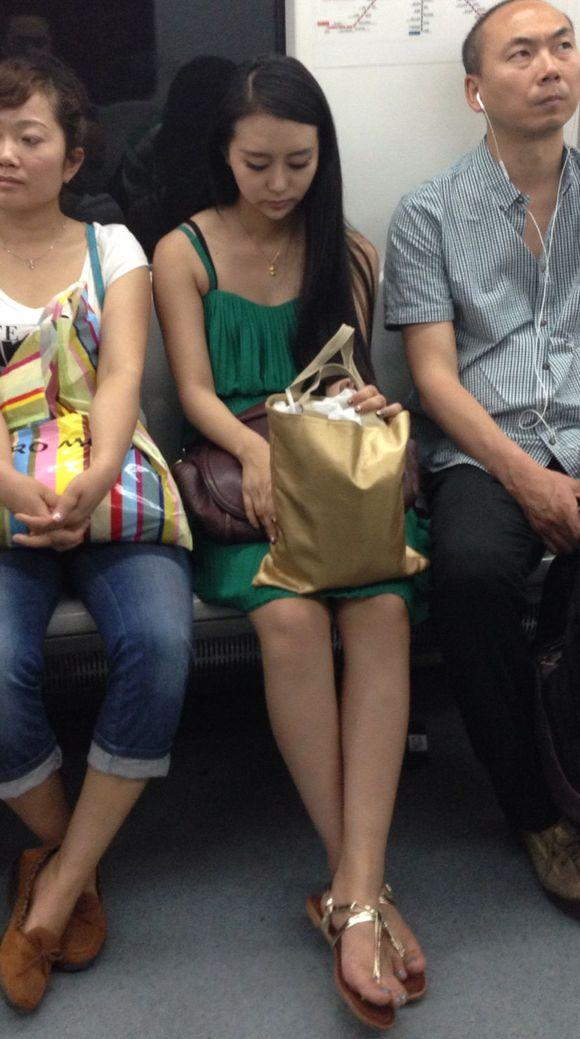 本吊地铁遇到美女 几分?