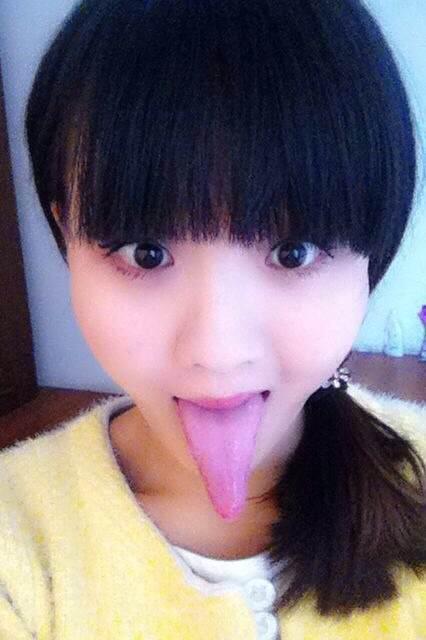 谁有我舌头长的? 美女吧