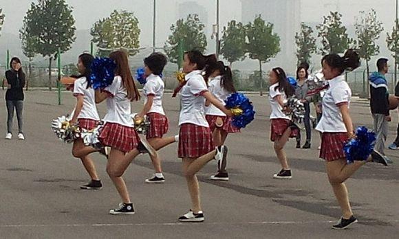 美女啦啦队! 河南农业大学许昌校区吧