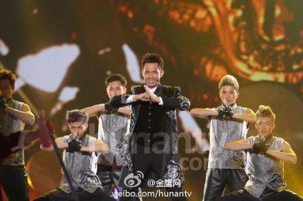 钟汉良参加2013-2014跨年演唱会图片