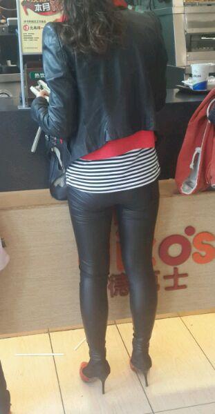 老婆皮衣皮裤好吗