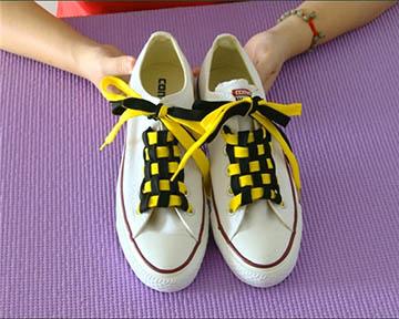 太新潮了~花式穿鞋带法,让你的帆布鞋焕然一新!图片