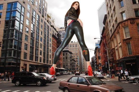 城市被美女踩在脚下 580