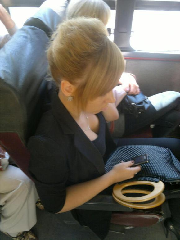 刚才做公车偷拍一美女的照片