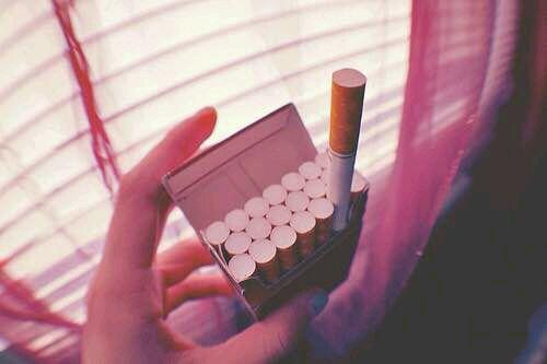 抽烟的女生 你喜不喜欢