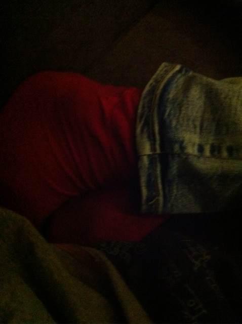 网吧大胆偷摸睡觉帅哥脚