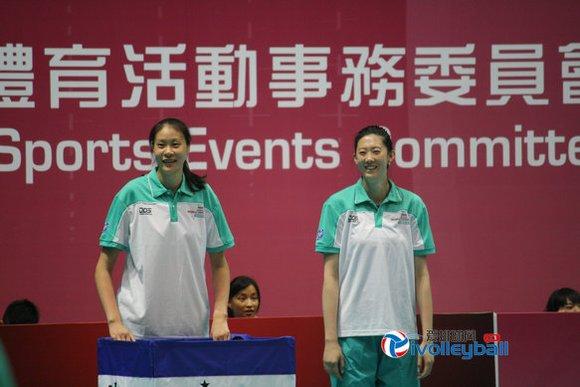女子排球队,彼此进行了近距离的互动.当中国女排的队员们,还高清图片