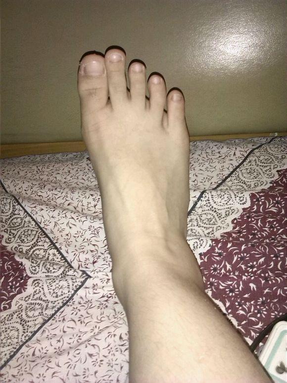 美女的脚~ 南宁吧