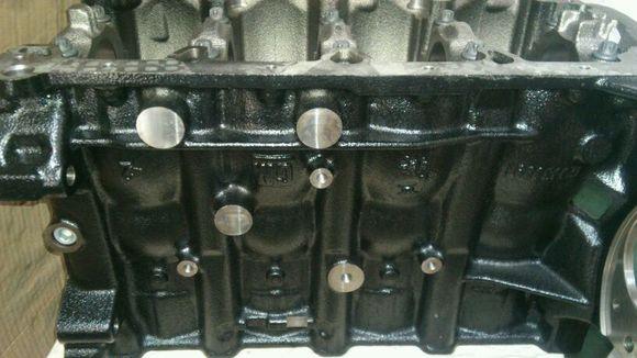 这是科鲁兹发动机钢体!(纯钢体)图片