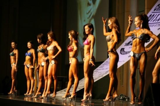 韩国宇宙小姐健美大赛美女秀肌肉!