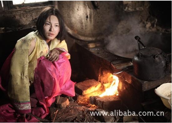 中朝边境游惊见野人般生活的朝鲜妹妹