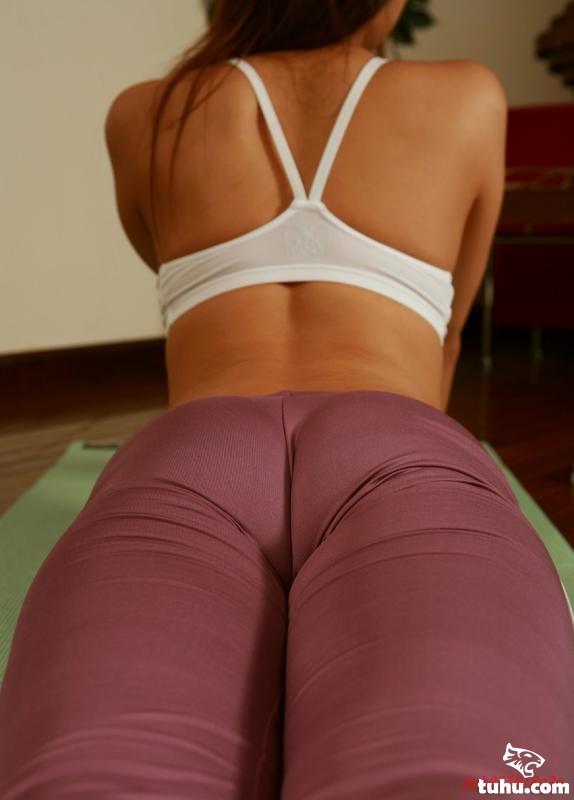 大尺度瑜伽美女【图】